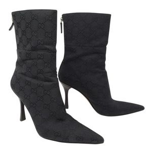 600616a1f02 Women s Do Gucci Shoes Run Small on Poshmark